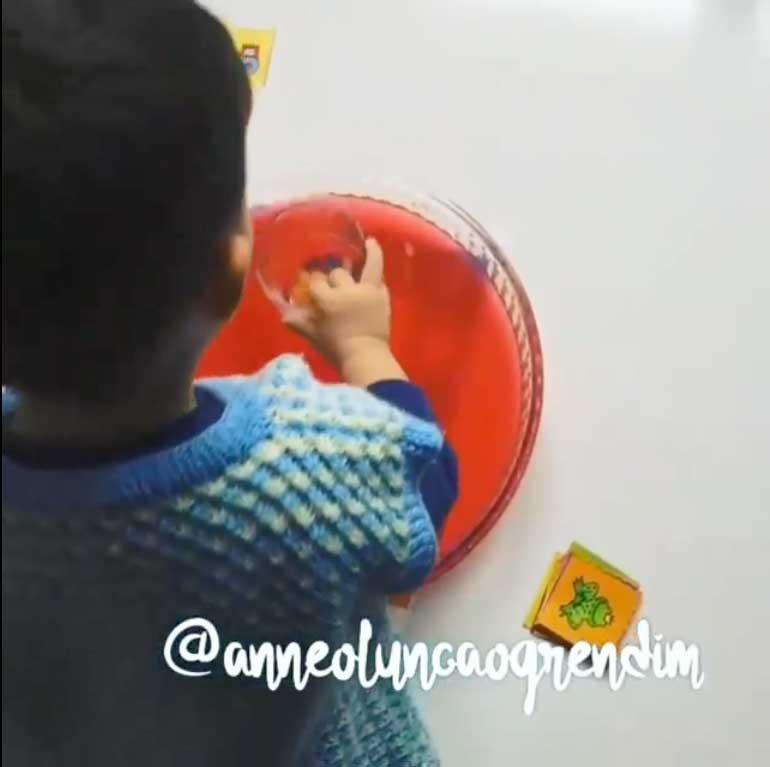 Montessori Etkinlikleri Renkli Su Ile Şekilleri Buluyorum