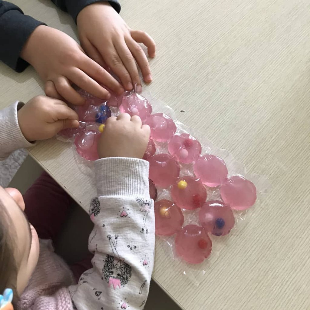 Montessori Etkinlikleri Minik Parmaklar Duyusal Etkinlik
